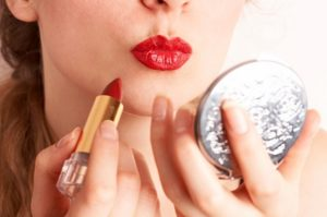 classic beauty trends - red lips